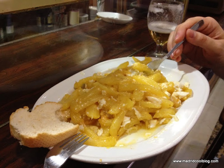 MADRID COOL BLOG la mañica bar castizo en chamberi patatas a la mañica sala galileo tomar algo antes cañas tapas croquetas