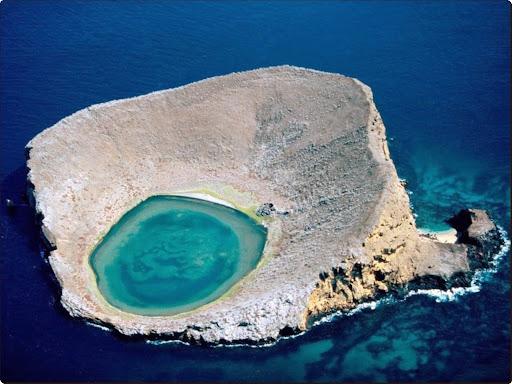 The Blue Lagoon, Ecuador.jpg