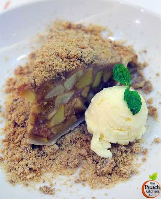 Maple : Apple Pie with Streusel Topping