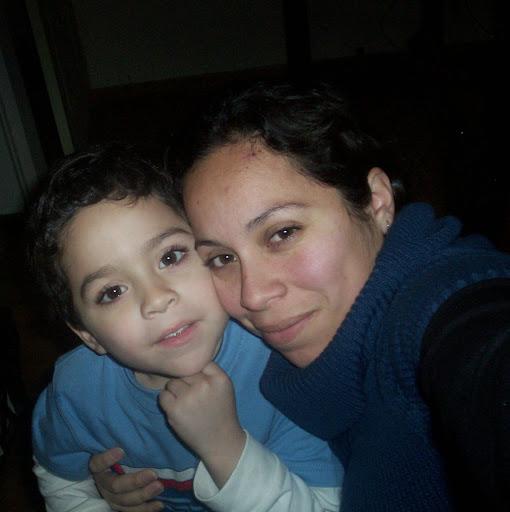 Claudia Aguinaga Photo 14