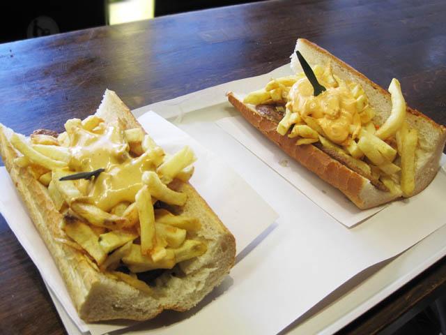 フライドポテトのサンドイッチ@ブリュッセル、ベルギー