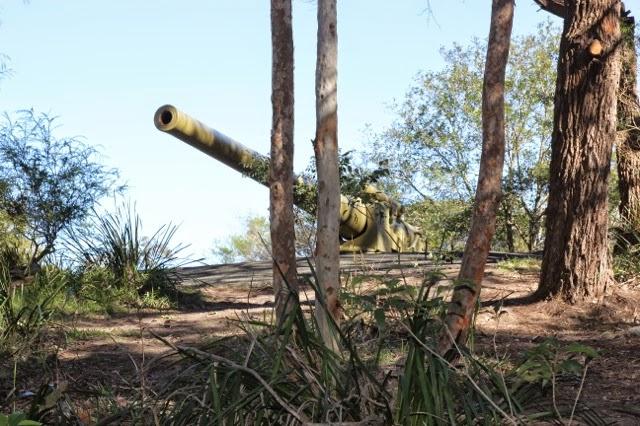 "Gun at George's Head fort  - 6"" battery gun"