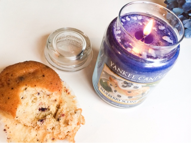 Yankee Candle Blueberry Scone review
