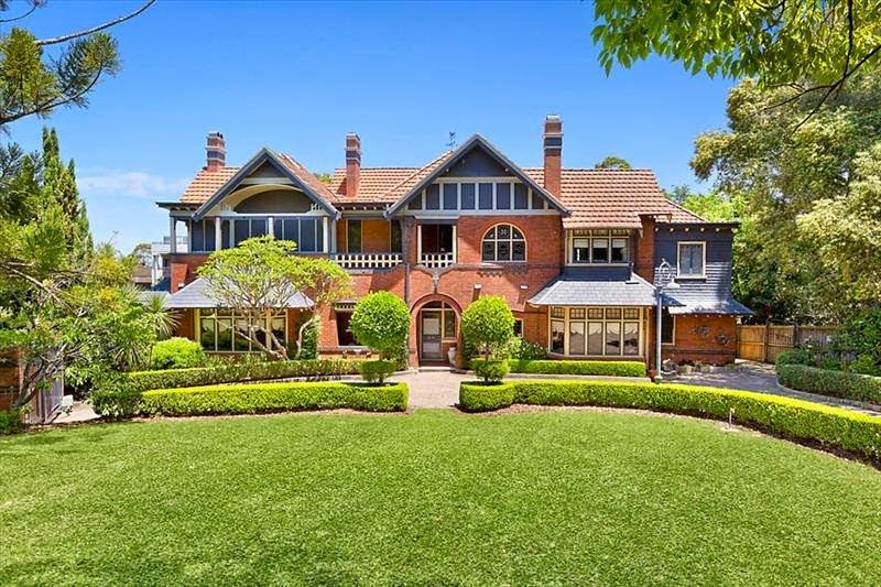 Colinroobie, 1 Clydesdale Place Pymble NSW