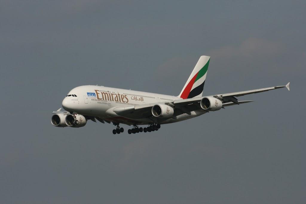 Emirates setzte erstmals statt einer B777 den A380 nach Hamburg ein