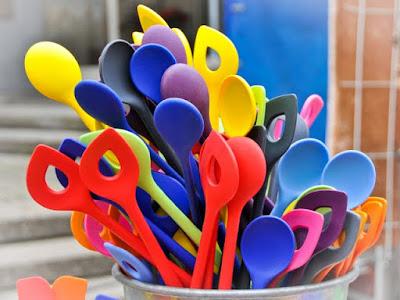 Farbenfrohe Küchenhelfer