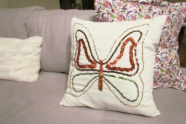 Butterfly cushion, DIY pillow, Glitter pillow, DIY Home Dec, Bufferfly Home Dec, Butterfly, DIY Cushion, how to sew a cushion, how to sew sequins, sequined butterfly