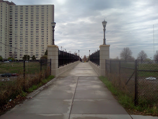 Griggs Pedestrian Bridge over I94