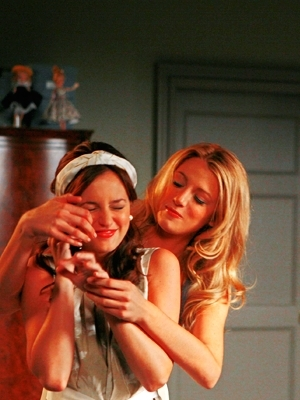 Blake Lively and Leighton Meester - Page 4 Totes-bffs