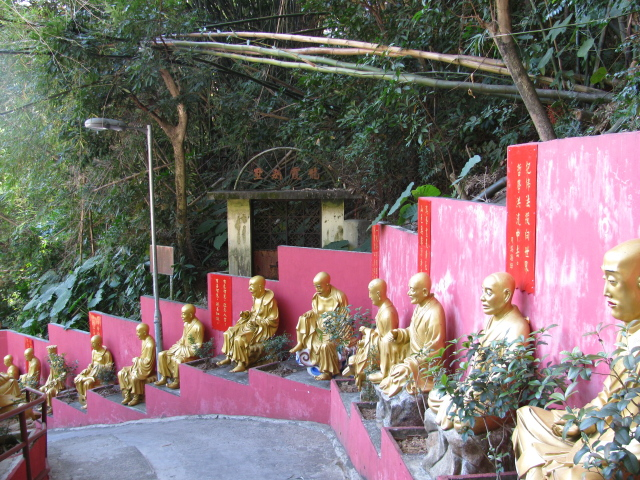 buddhas along the steep path