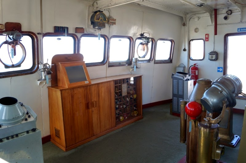 17 08 viana do castelo y a guarda de un barco hospital y for Cocinas para barcos