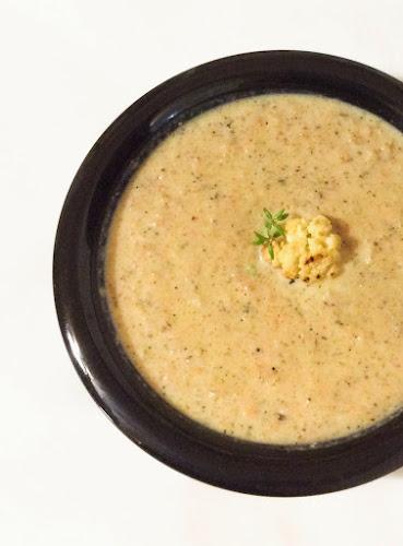 Zupa, kalafior, pieczony czosnek, masło, fileciki anchovy, zupa kalafiorowa