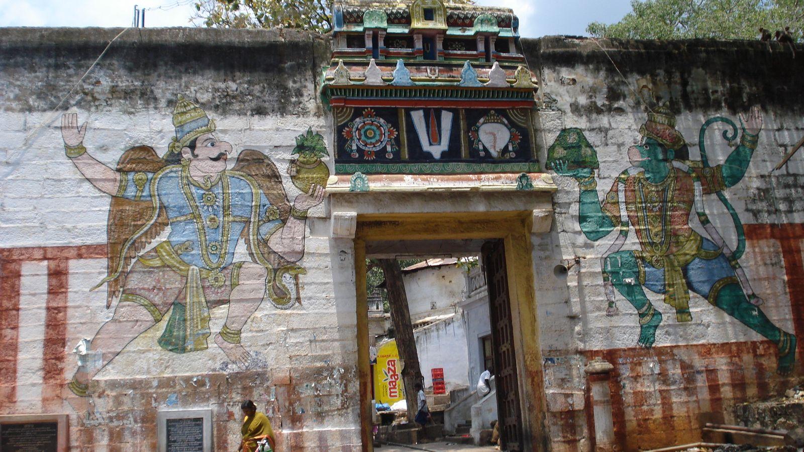 Sri Kallazhagar Perumal Temple (Thiru Maaliruncholai) Madurai - Divya Desam 78
