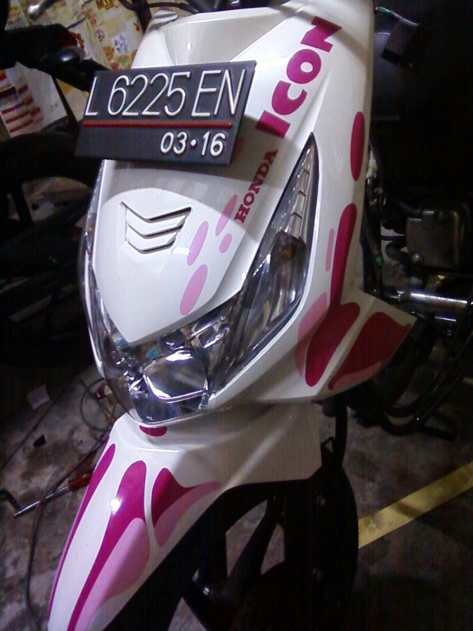 Beat Fi Modifikasi Stiker