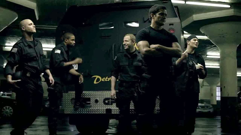 Free Download Single Resumable Direct Download Links For Hollywood Movie S.W.A.T. Firefight (2011) In Dual Audio
