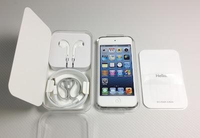 iPod touch第5世代:パッケージを開いたところ