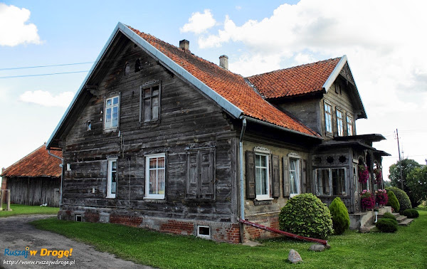 dom żuławski naprzeciwko wiatraka w Palczewie