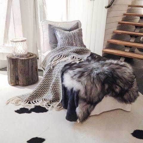 Isländskt fårskinn schäslong kohud