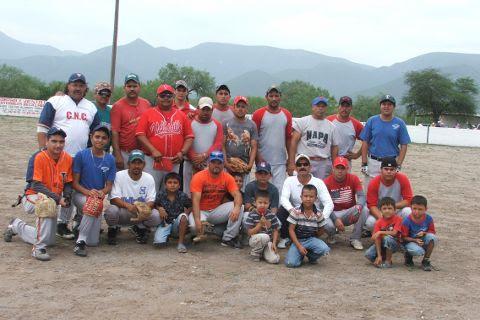 Diamantes de Vallecillo en el softbol del Club Sertoma