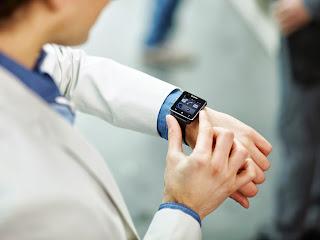 7_Smartwatch_2.jpg