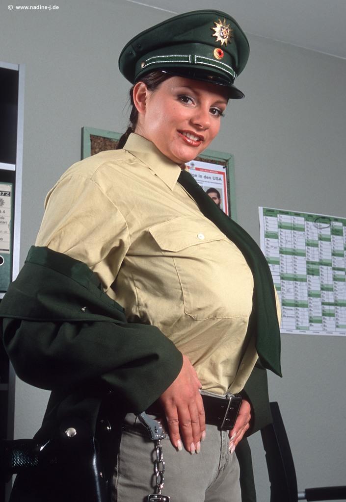 Nadine jansen police