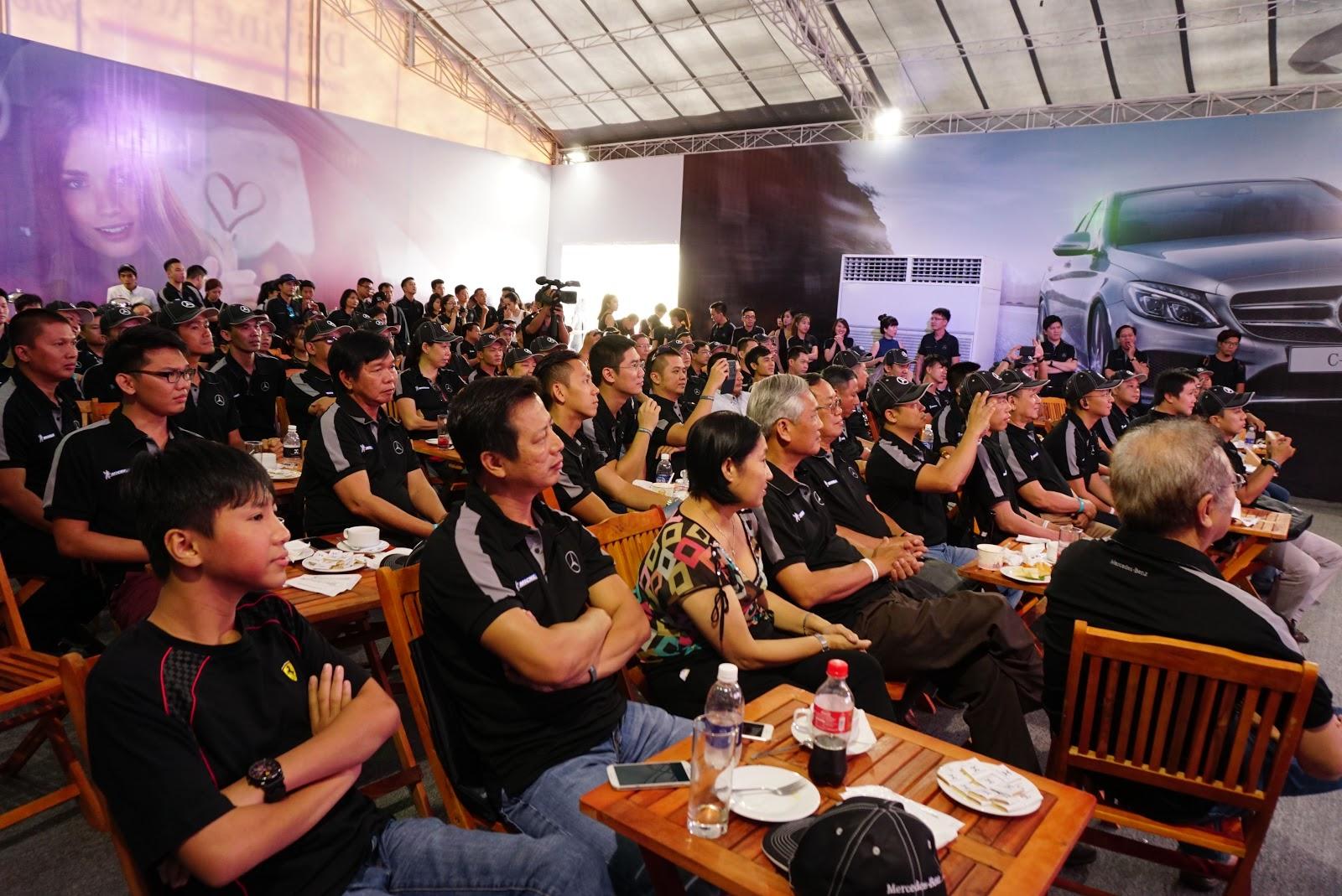 Rất đông khách tham dự trong ngày hội lớn của Mercedes Việt Nam