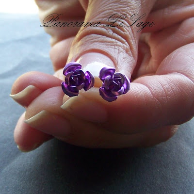 kolczyki wkrętki sztyfty babeczki słodycze biżuteria z masy polimerowej fimo różyczki niebieski złoty złoto lila fiolet zielony kwiatki