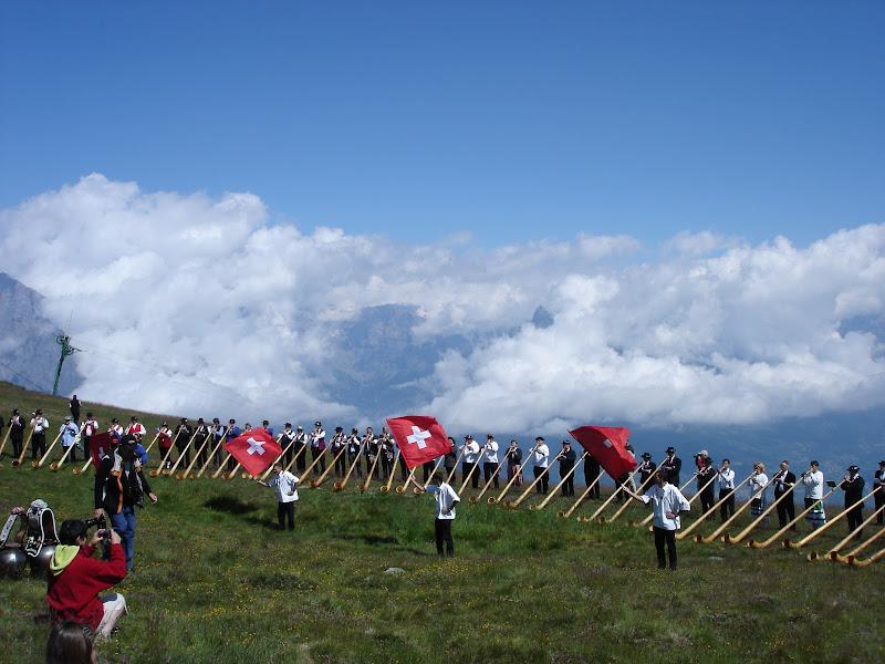Festival Cor des Alpes - Nendaz 2007 - Lanceurs de drapeaux