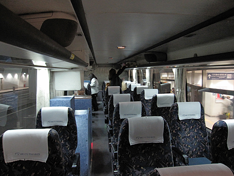 名鉄バス「名古屋~松山線」2607 車内