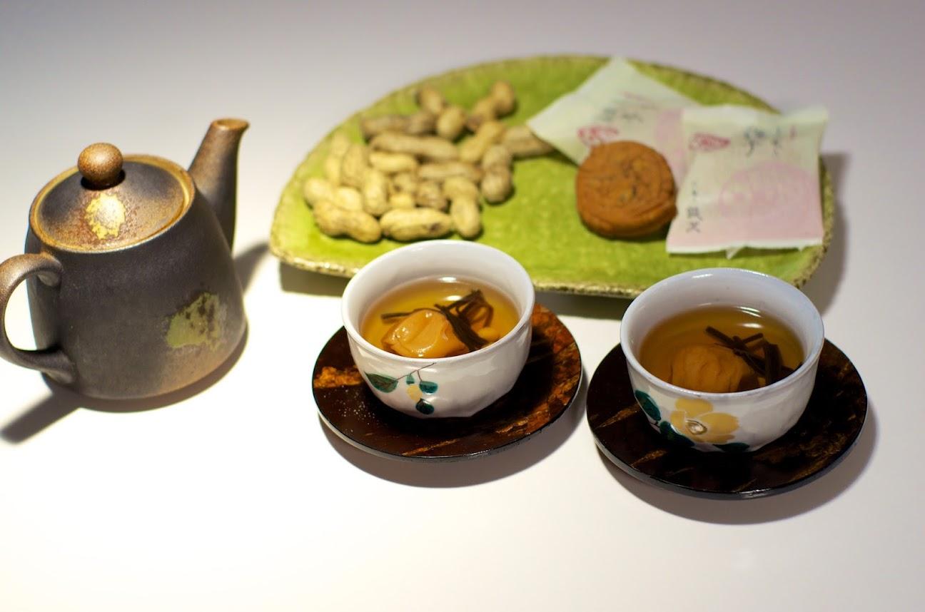 福茶(梅干し・塩昆布・福豆入)
