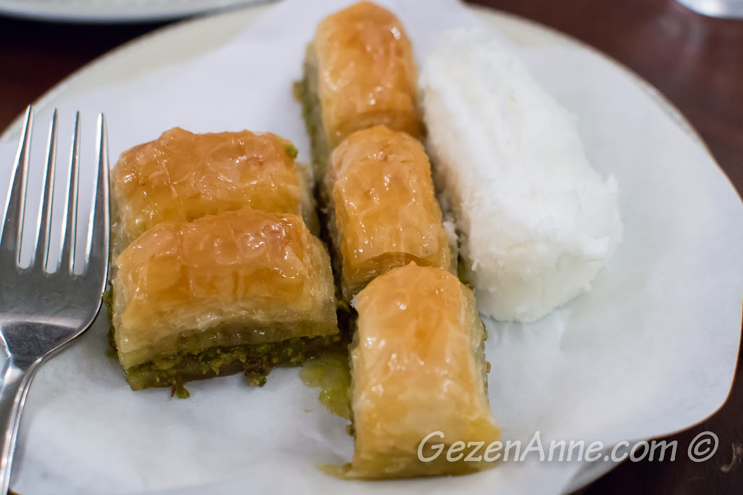 Karaköy Güllüoğlu baklavası