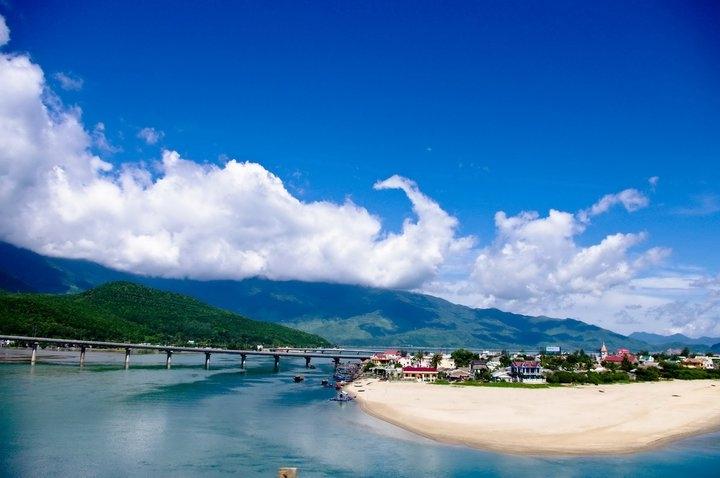 Lang Co - Hue - the word's beautiful beach bay