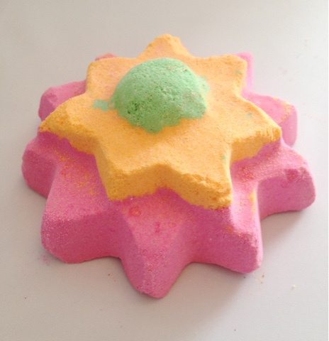 Floating Flower Bath Bomb