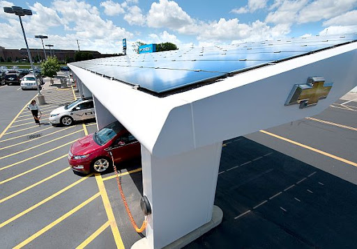 Chevrolet Instalará Paneles Solares en las Agencias para Cargar el Chevy Volt