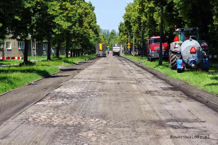 Zfrezowano asfalt i odkryto stare kocie łby