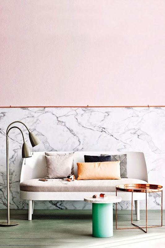 Decorar con rosa, cobre y mármol.