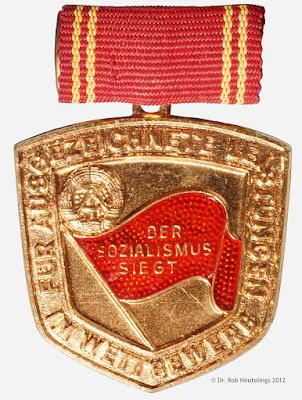 127h Medaille für ausgezeichnete Leistungen im Wettbewerb www.ddrmedailles.nl