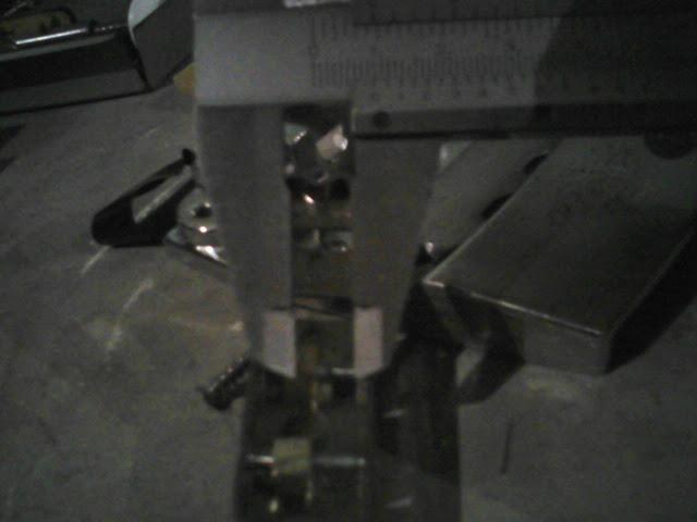 CONSTRUÇÃO BAIXO RICKENBACKER BLACKSTAR - finalizado e vídeo - Página 6 P23-05-12_20.26