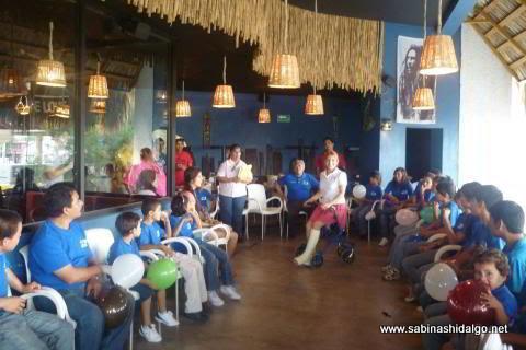 Niños de Casa Hogar Oasis de los Niños en evento de Amigas CANIRAC