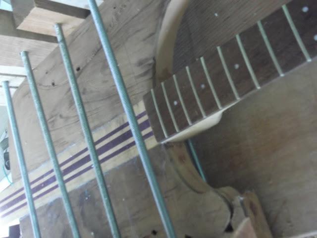 CONSTRUÇÃO BAIXO RICKENBACKER BLACKSTAR - finalizado e vídeo - Página 3 DSCF0475