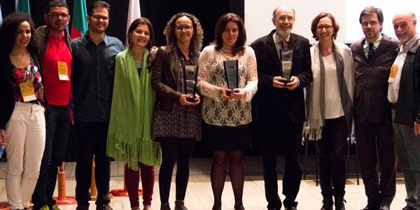 Vencedores do prêmio Mariazinha Fuzari - Veja Álbum da Conferência Magna | Foto: Joana Berwanger/Famecos/PUCRS