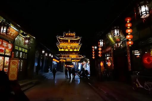 Market tower en Pingyao de noche