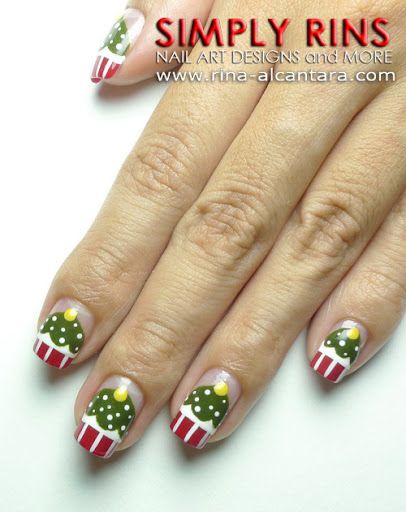 Christmas Tree Cupcakes Nail Art Design