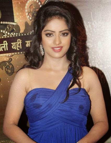 Deepika-Singh-Hot-Bikini-Pic