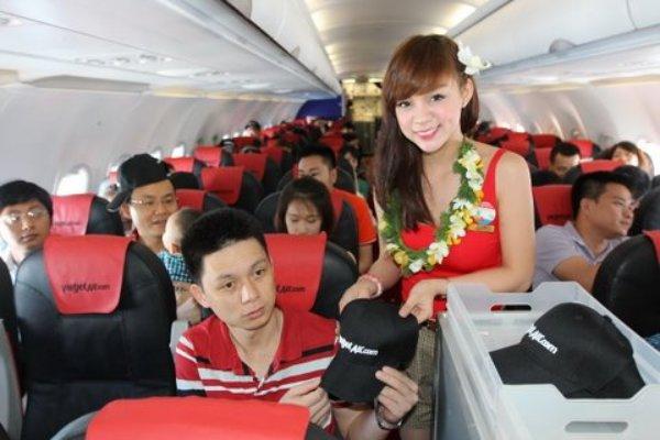 tiếp viên hàng không vietjetair