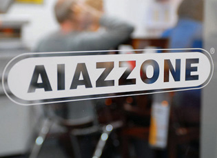 T u t t e t r u f f e voragine aiazzone 13mila truffe e for Aiazzone mobili
