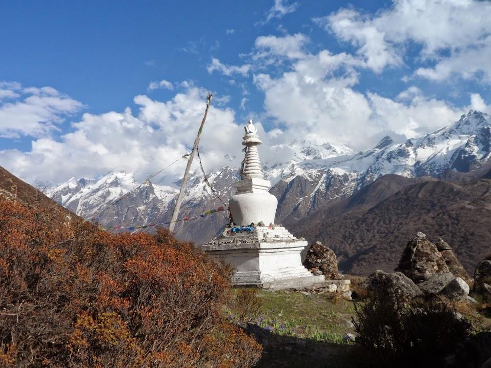 Треккинг в Непале. Лангтанг и озера Госайкунд