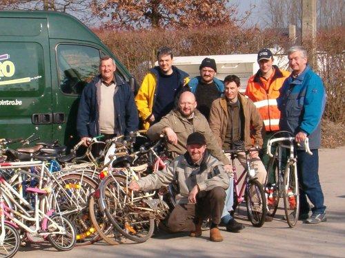 Een geslaagde actie op alle fronten: een mooie samenwerking tussen de Gooikse KWB afdelingen, Fietsen De Spaak en het gemeentebestuur;een goede respons van de bevolking (45 fietsen) en een mooi lente zonnetje.