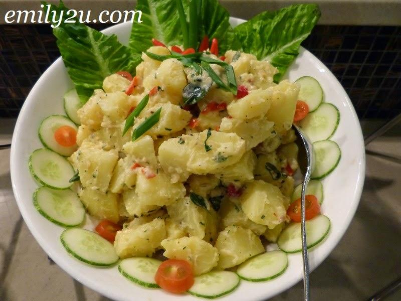 Impiana Hotel Ipoh Deepavali food