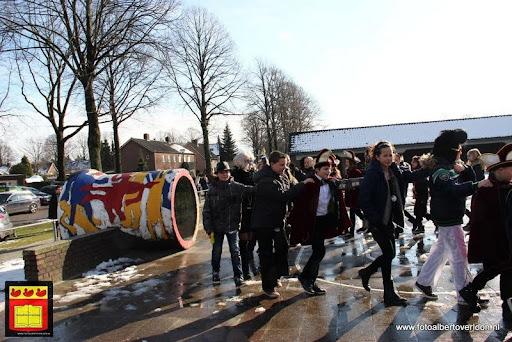 carnavalsfeest op school 08-02-2013 (4).JPG